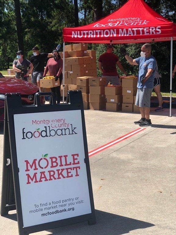 MCFB Volunteers at mobile food distribution